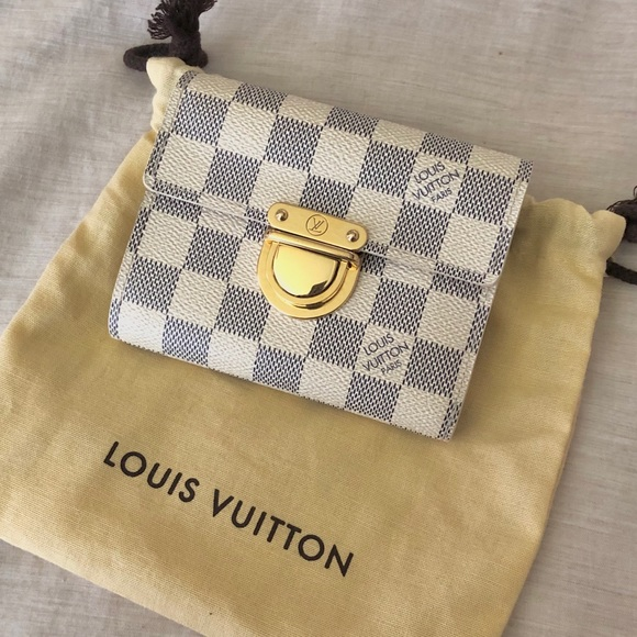 Louis Vuitton Handbags - ✨Vintage & Auth Koala Wallet